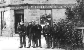 1895 Miners Stand at West End (PV)