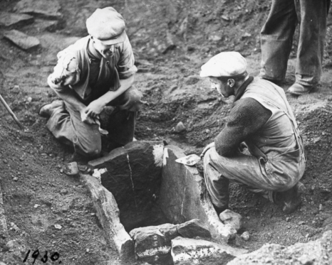 1930 Stone cist at Dalton