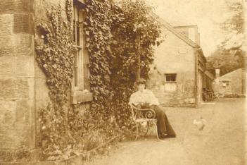 1900 Jessie Hunter Brown at Boathouse b1876
