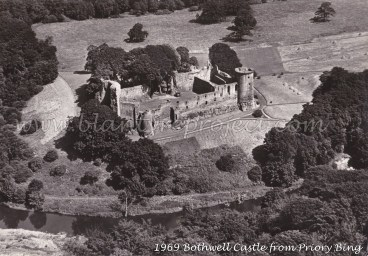 Bothwell Castle from Priory Bing