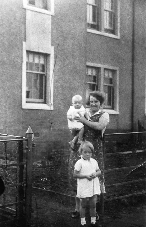 1938 Slater family at Priory St