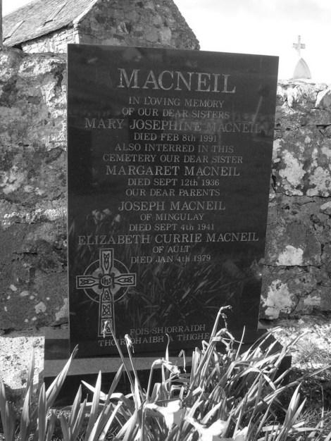 MacNeil grave