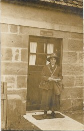 1915 Postwoman at Millardale, Hunthill Rd