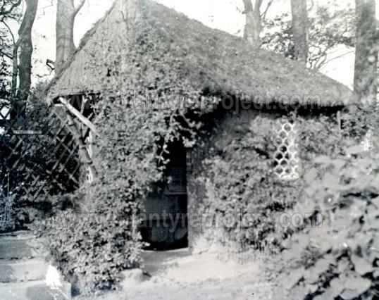 1910s Gents Toilets, Auchentibber Gardens wm