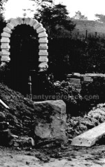 1907 Auchentibber Garden