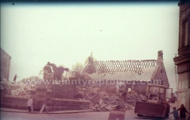 1978 Burleigh Demolition at Herbertson Street
