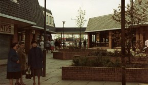 1985 Clydeview Shopping Centre