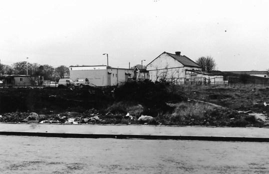 1977 Eddie Collins shop 21 April