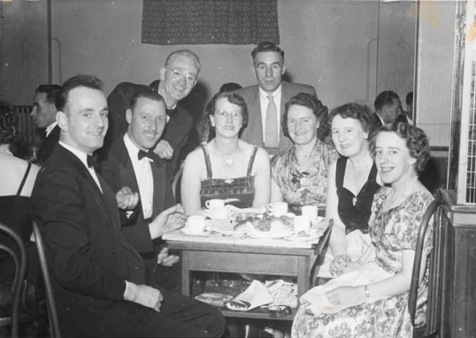 1950s Malcolm Dow & Mina 2nd+3rd left