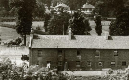 1940s Shuttle Row1