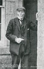 1904 William Rae at Raploch Cottage