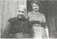 1928 Mrs Leach and daughter at Stewartfied Farm