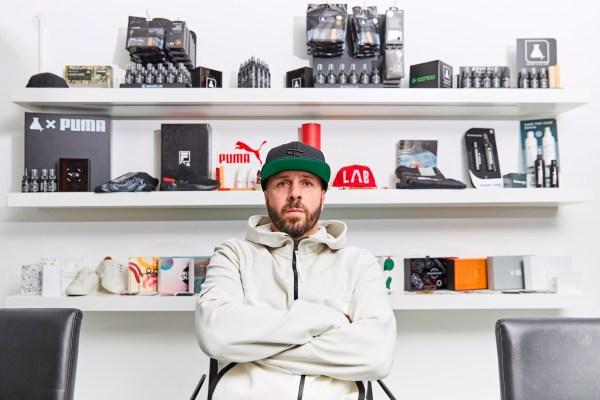 Fashion Magazine, Jo fellas sneaker lab
