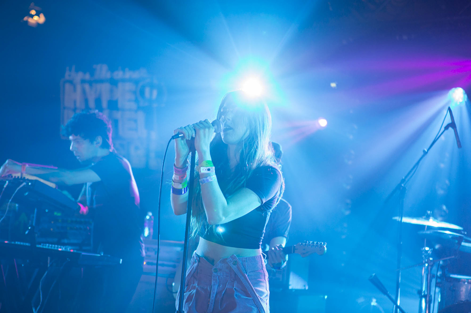 Ryn Weaver - The Hype Hotel