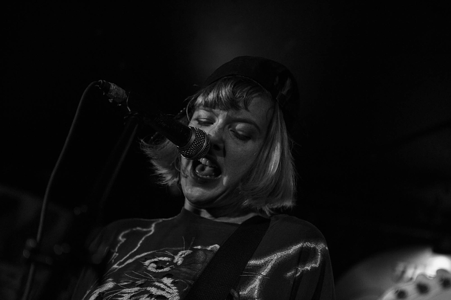 Dilly Dally-4