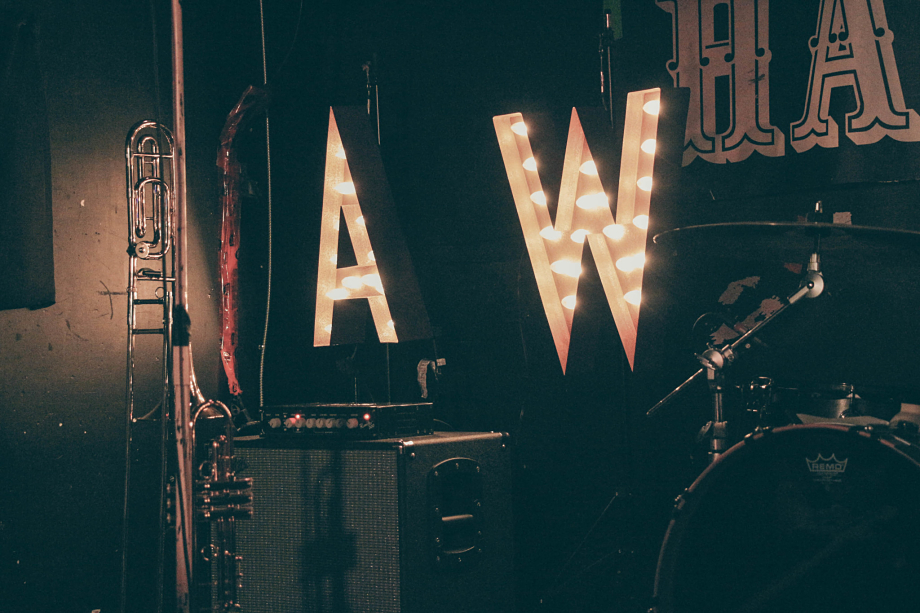 Aaron West And The Roaring Twenties - Hard Luck Bar-2