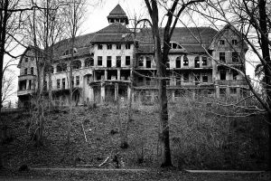 1024px-The_Haunted_House_Das_Geisterhaus_(5360049608)