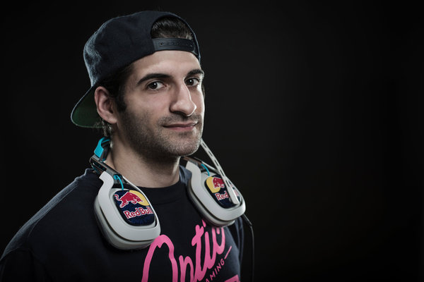 "Mike ""Flamesword"" Chavez poses for a portrait in Seattle WA, USA, on 26 February 2015. // Ian Coble/Red Bull Content Pool // VIN: SI201503030013 // Usage for editorial use only // Please go to www.redbullcontentpool.com for further informations. //"