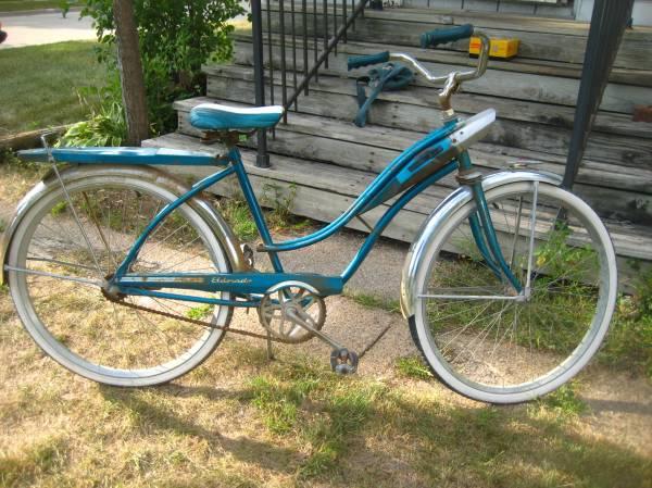 1960 Huffy Eldorado Bike & Brownie Flashmite Camera