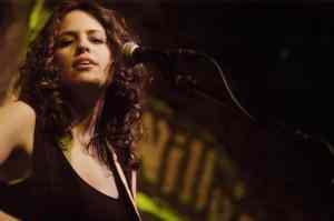 Lisa Bianco Live (high) - Photo by Lippe_psd