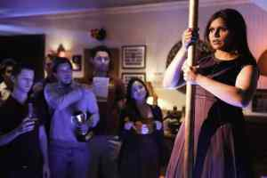 Mindy winds up at a frat party after breaking up with Casey