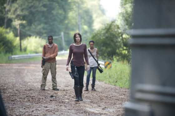 """Maggie (Lauren Cohan), Sasha (Sonequa Martin-Green), and Bob (Lawrence Gillard Jr) struggle with the decision to go to Terminus in """"Alone"""""""