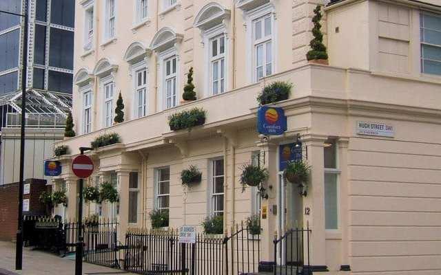 Comfort_Inn,_St_Georges_Drive_junction_of_Hugh_Street,_Victoria,_London_SW1_-_geograph.org.uk_-_740594