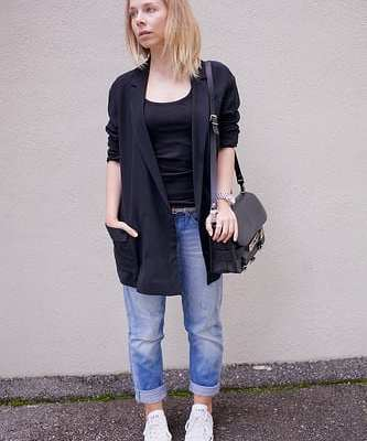 """""""converse and boyfriend jeans 2"""" (CC BY-SA 2.0) by Idhren"""