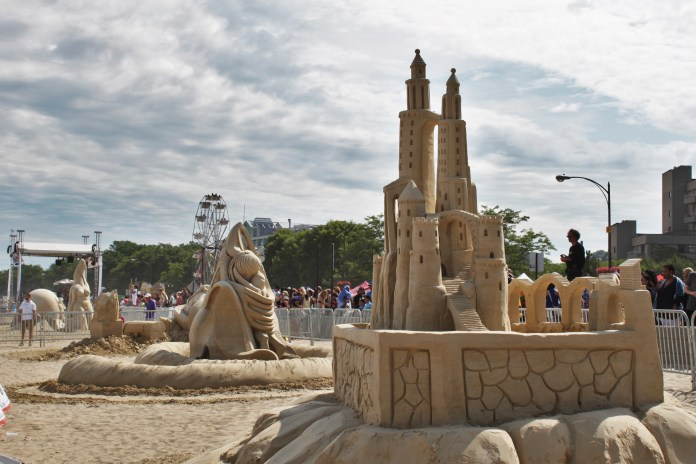 The beautiful sand castles of the festival! This was one of my favorites, though pieces ranged from abstract art to realistic advertisements.