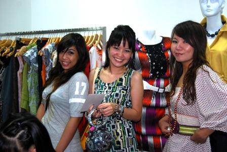 fashionistas Erika Ong, Ericke and Martine Tan