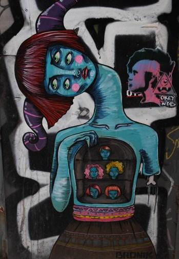 Stencils von der peruanischen Künstlerin Bronik
