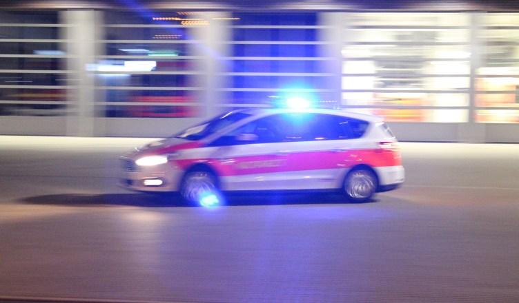krefeld rollerfahrer bei verkehrsunfall schwer verletzt. Black Bedroom Furniture Sets. Home Design Ideas
