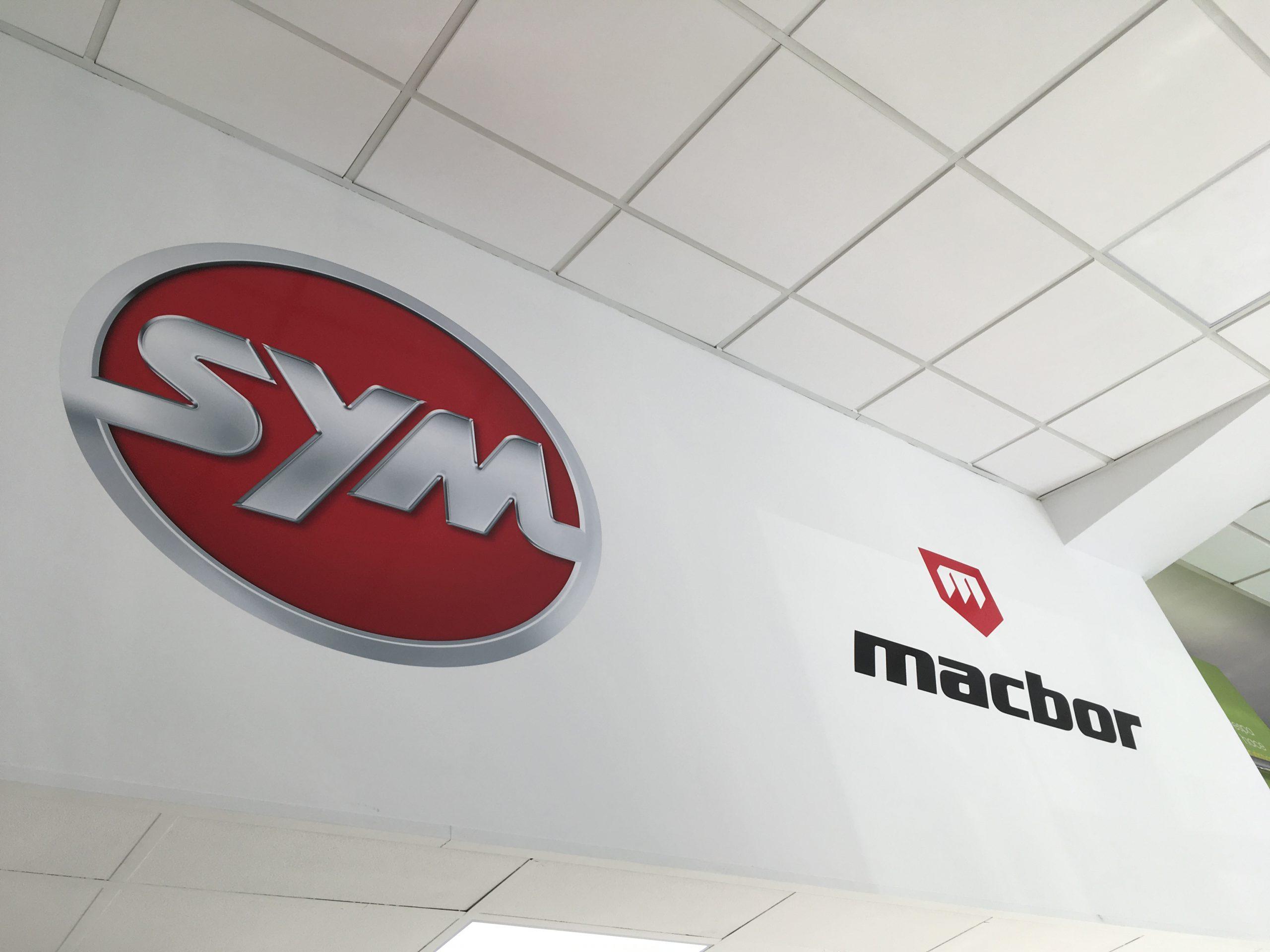 rotulación en paredes de logotipos