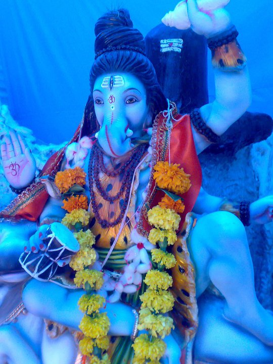 Lord Ganesha Wallpaper In Hd Cobalt Blue Buddha Fields Blau Stern Schwarz Schlonge