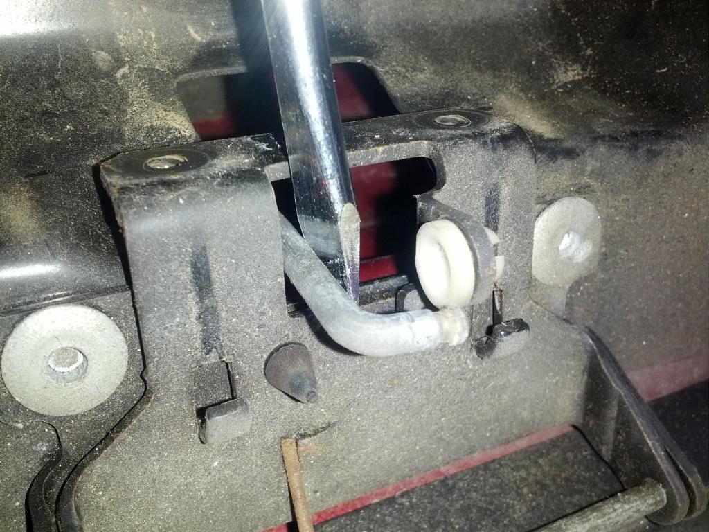 medium resolution of rear lift glass release button on hatch how to repair blazer forum chevy blazer forums