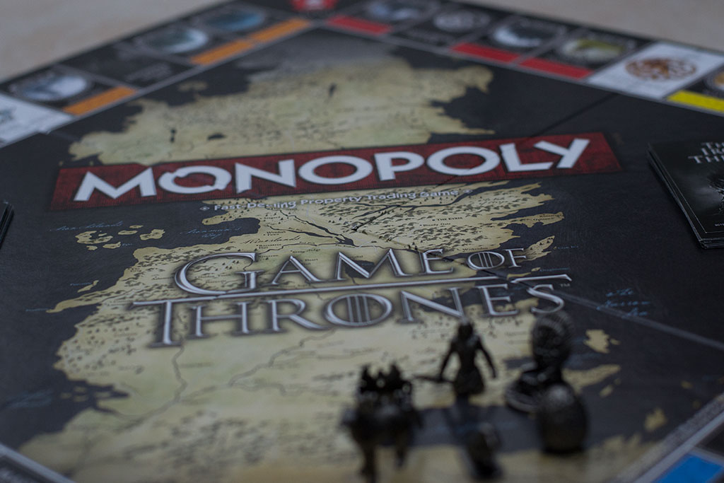 Game of Thrones – Win or Die Monopoly Style! – Review