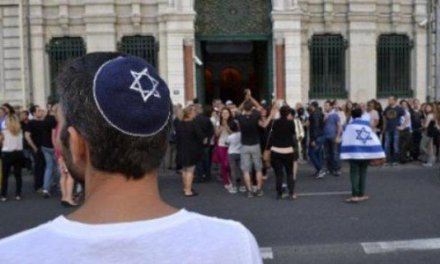 "Muslim Attacks Two Jewish Men with Hacksaw in Paris – Screaming ""Allahu Akbar!"" and ""Dirty Jews!"""