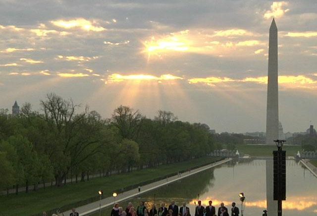Thousands Gather on Lincoln Memorial to 'Celebrate the Name of Jesus'