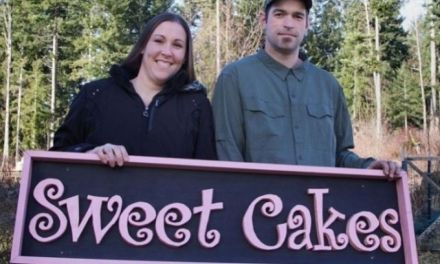 Oregon court rules Christian bakery must pay $135K to lesbian couple