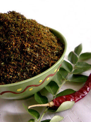 Karivepaku Podi ~ Spicy Curry Leaves Powder