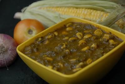 Corn Palak ~ Corn in Spinach Gravy