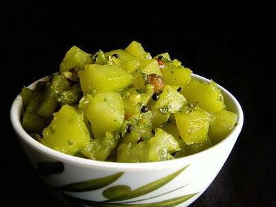 Sorakaya Kothimeera Kaaram ~ Bottle Gourd with Spiced Cilantro