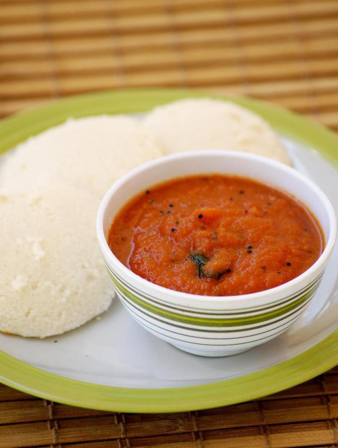 Onion Tomato Red Chutney Recipe – Red Chutney for Idli Dosa – Easy Chutney Recipes