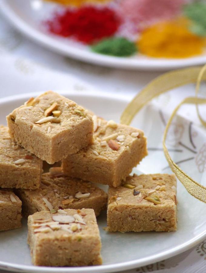 Mohanthal Recipe – Gram Flour Fudge Recipe – A Traditional Gujarati Sweet – Holi Sweets