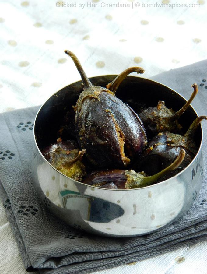 Gutti Vankaya Senagapindi Kura ~ Besan Stuffed Baby Eggplants Recipe