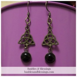 Bronze Triquetra Earrings with Onyx Cabochons