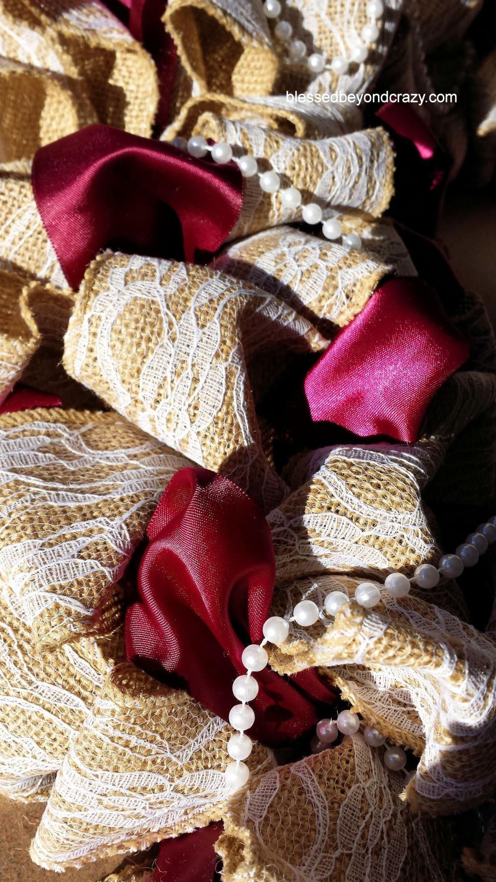 Diy burlap and lace wreath for Diy jute