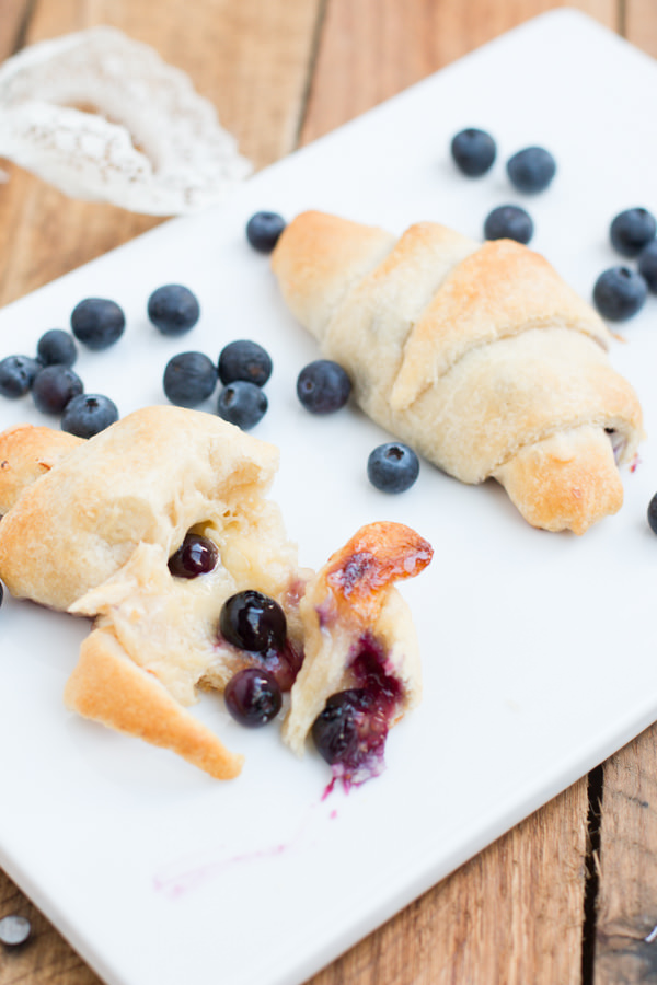 cheesy-blueberry-honey-crescent-roll-ohsweetbasil.com-4