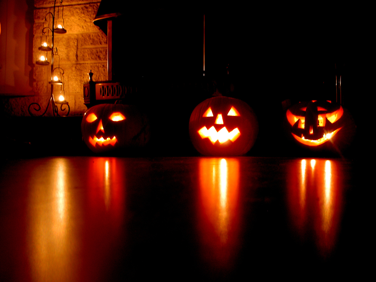 6 mystical halloween lighting ideas 12 - Halloween Light Ideas