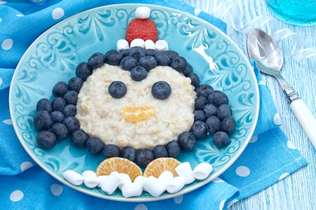christmas breakfast ideas oatmeal with fresh berries